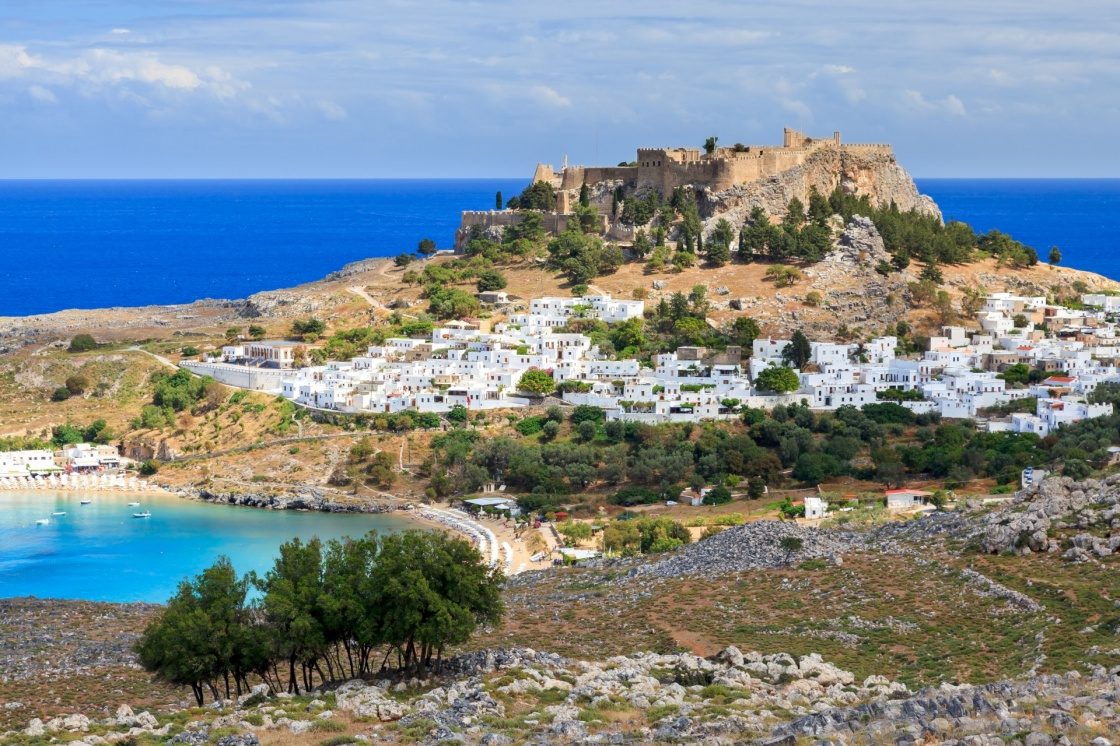 'View from the road down to the popular town of Lindos on the Island of Rhodes Greece' - Ρόδος